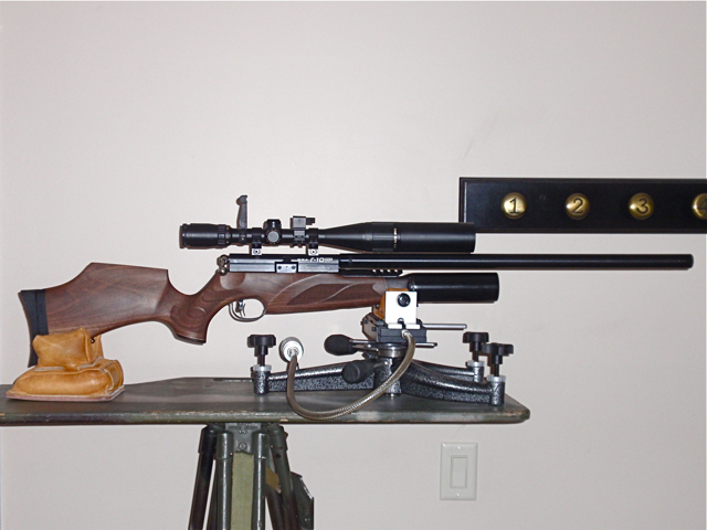 R 10 on the shooting stand